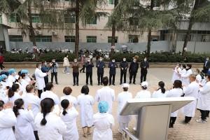 縣委書記管昭一行到寧南縣人民醫院開展慰問活動